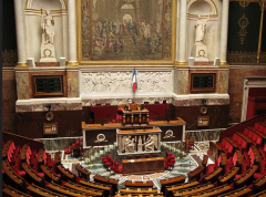 Hémicycle Assemblée Nationale - By Coucouoeuf (Own work) [CC BY-SA 3.0 (http://creativecommons.org/licenses/by-sa/3.0)], via Wikimedia Commons